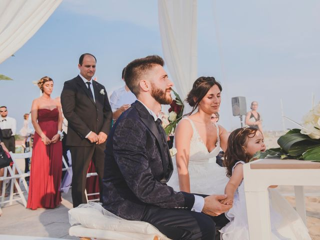 Il matrimonio di Lorenzo e Giulia a Viareggio, Lucca 25