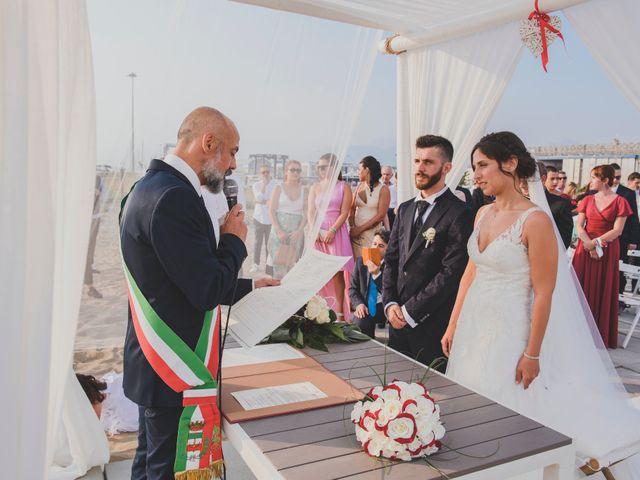 Il matrimonio di Lorenzo e Giulia a Viareggio, Lucca 29