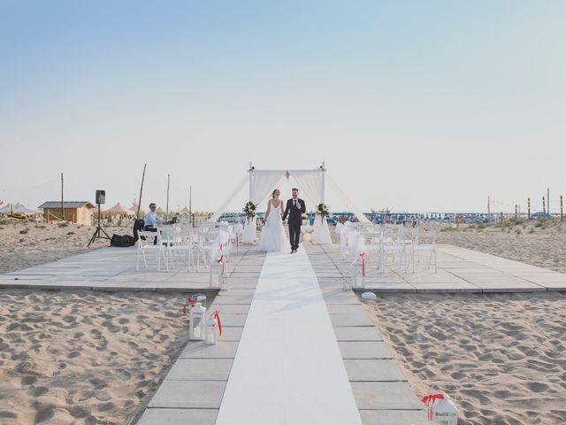 Il matrimonio di Lorenzo e Giulia a Viareggio, Lucca 35