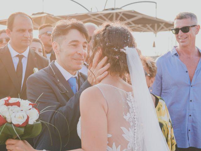 Il matrimonio di Lorenzo e Giulia a Viareggio, Lucca 40