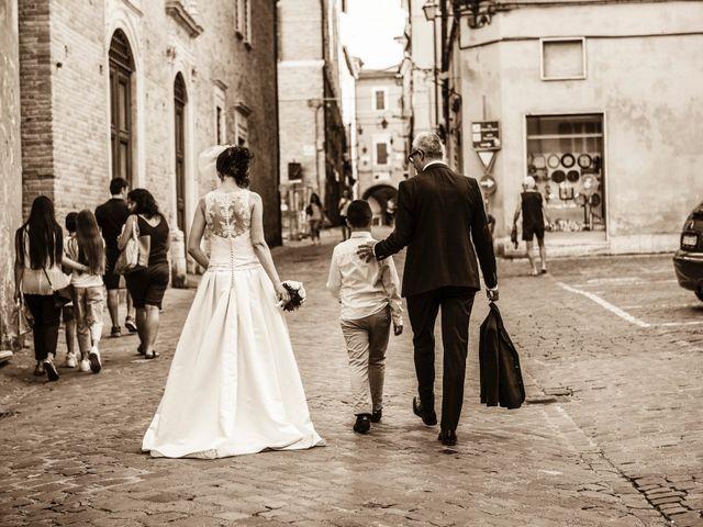 Il matrimonio di Vincenzo e Cinzia a Jesi, Ancona 11