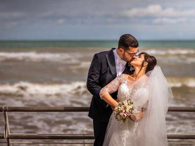 Il matrimonio di Raffaele e Valeria a Pesaro, Pesaro - Urbino 40