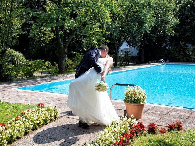 Il matrimonio di Damiano e Samuela a Vertemate con Minoprio, Como 35