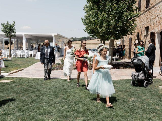 Il matrimonio di Raffaella e Ruggiero a Trecastelli, Ancona 36