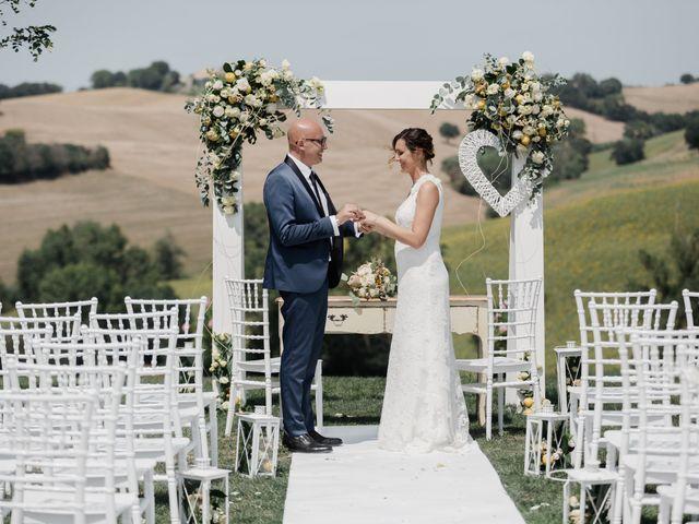 Il matrimonio di Raffaella e Ruggiero a Trecastelli, Ancona 1