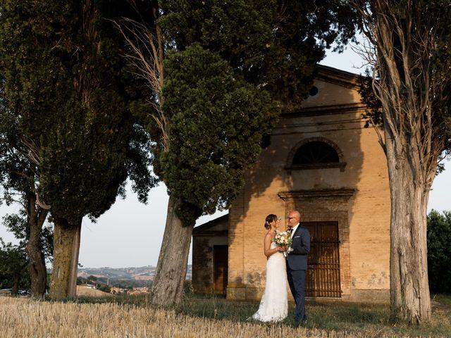 Il matrimonio di Raffaella e Ruggiero a Trecastelli, Ancona 2