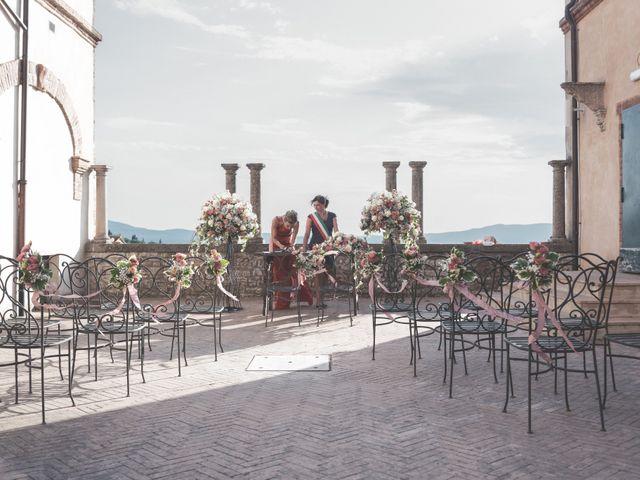 Il matrimonio di Luigi e Simona a Todi, Perugia 2
