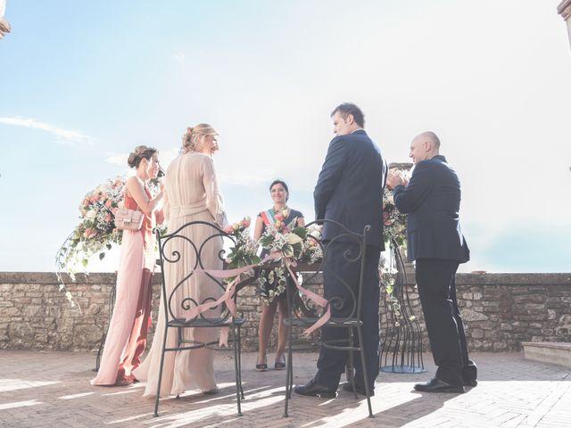 Il matrimonio di Luigi e Simona a Todi, Perugia 9
