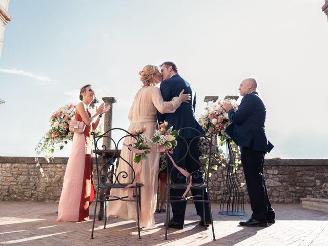 Il matrimonio di Luigi e Simona a Todi, Perugia 12