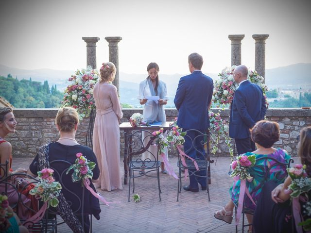 Il matrimonio di Luigi e Simona a Todi, Perugia 16