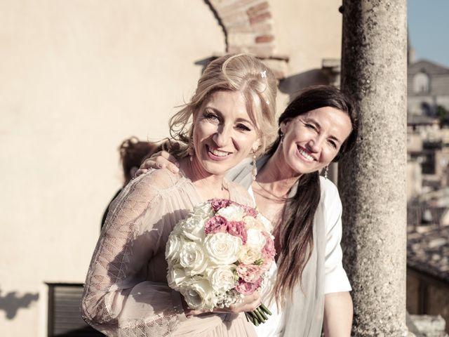 Il matrimonio di Luigi e Simona a Todi, Perugia 24