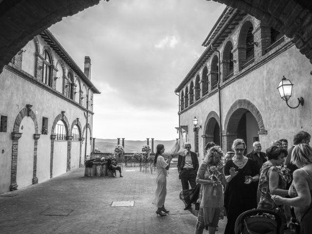 Il matrimonio di Luigi e Simona a Todi, Perugia 35