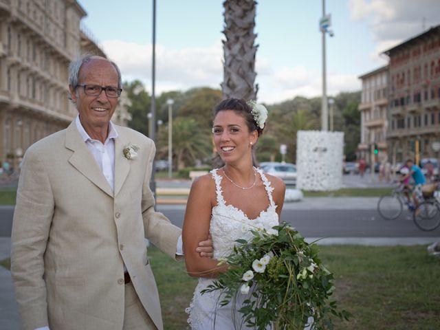 Il matrimonio di Luca e Simona a Viareggio, Lucca 21