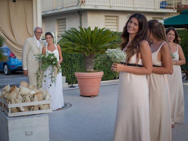 Il matrimonio di Luca e Simona a Viareggio, Lucca 22