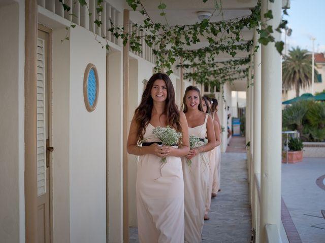 Il matrimonio di Luca e Simona a Viareggio, Lucca 23