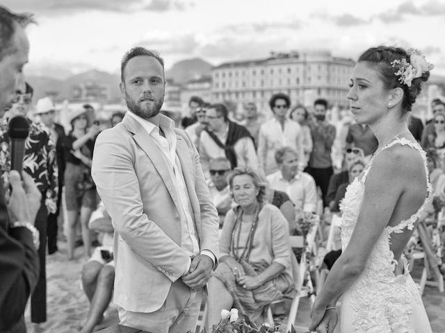 Il matrimonio di Luca e Simona a Viareggio, Lucca 37
