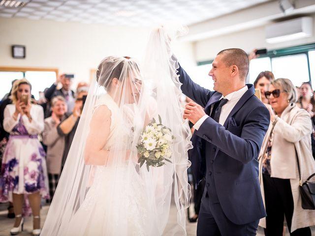 Il matrimonio di Lorenzo e Simona a Monteriggioni, Siena 24