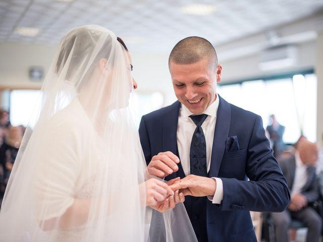Il matrimonio di Lorenzo e Simona a Monteriggioni, Siena 32