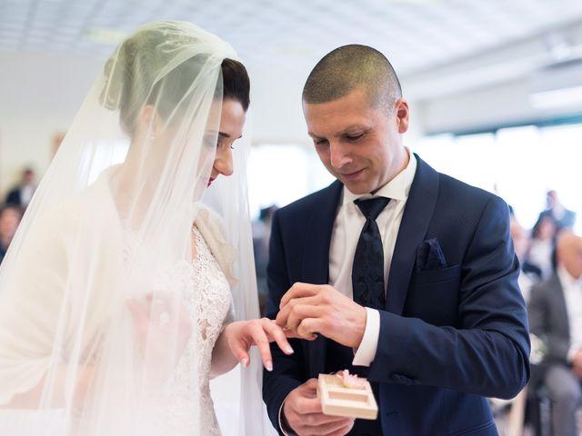 Il matrimonio di Lorenzo e Simona a Monteriggioni, Siena 33