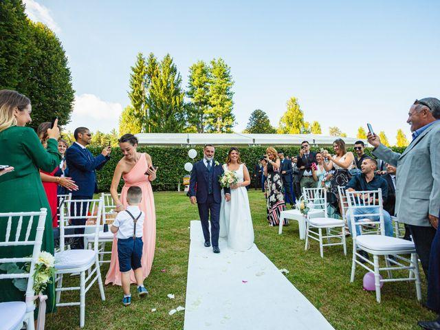 Il matrimonio di Antonio e Luana a Vergiate, Varese 29