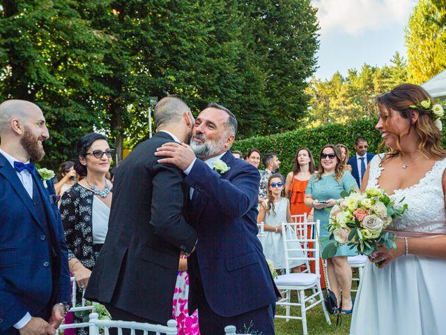 Il matrimonio di Antonio e Luana a Vergiate, Varese 30