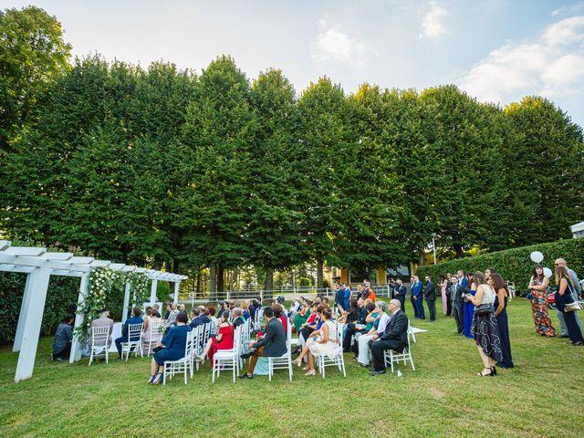 Il matrimonio di Antonio e Luana a Vergiate, Varese 32
