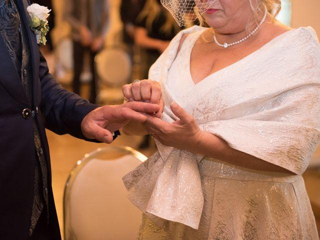 Il matrimonio di Cinzia e Marzio a Campi Bisenzio, Firenze 22