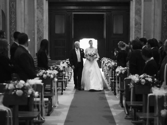 Il matrimonio di Luca e Miriam a Rovellasca, Como 13