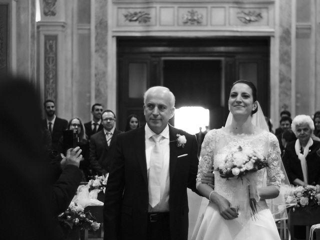Il matrimonio di Luca e Miriam a Rovellasca, Como 15