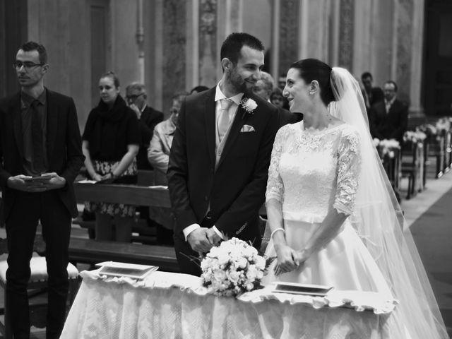 Il matrimonio di Luca e Miriam a Rovellasca, Como 16