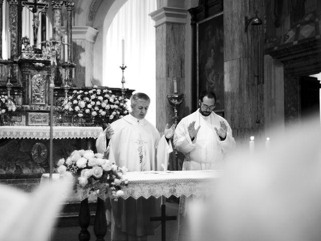 Il matrimonio di Luca e Miriam a Rovellasca, Como 23