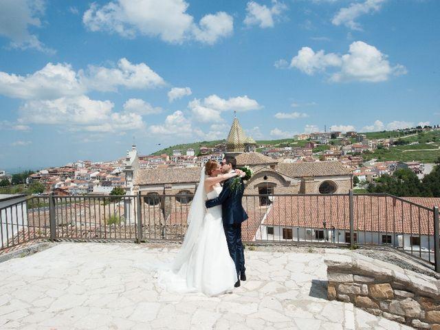 Il matrimonio di Vito e Angela a Rocchetta Sant'Antonio, Foggia 6