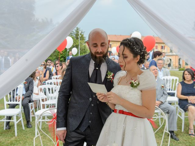 Il matrimonio di Alessandro e Elisabetta a Varano Borghi, Varese 13