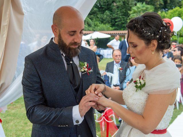 Il matrimonio di Alessandro e Elisabetta a Varano Borghi, Varese 14