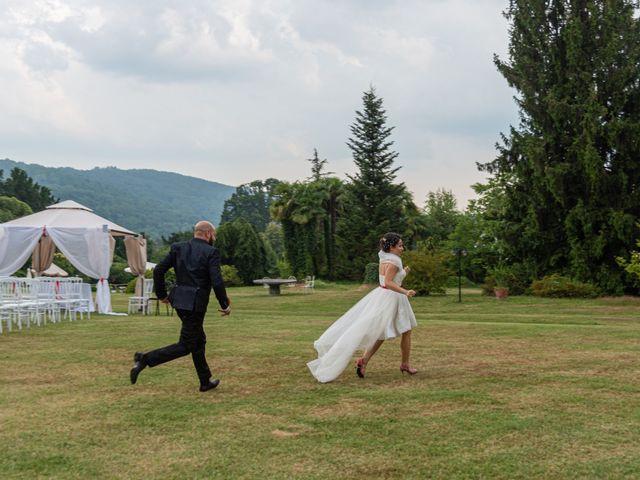 Il matrimonio di Alessandro e Elisabetta a Varano Borghi, Varese 18