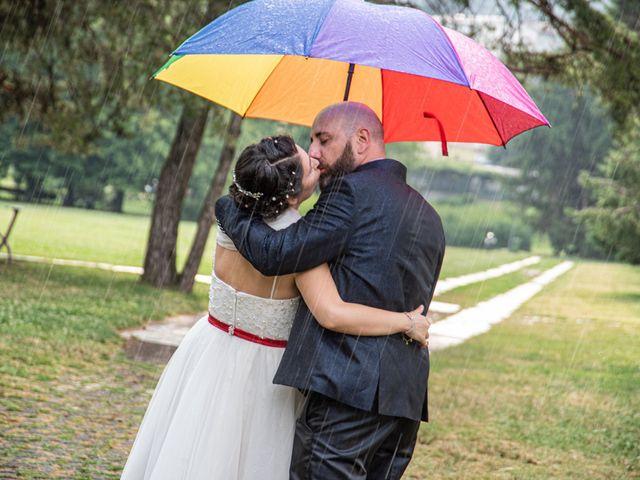 Il matrimonio di Alessandro e Elisabetta a Varano Borghi, Varese 20