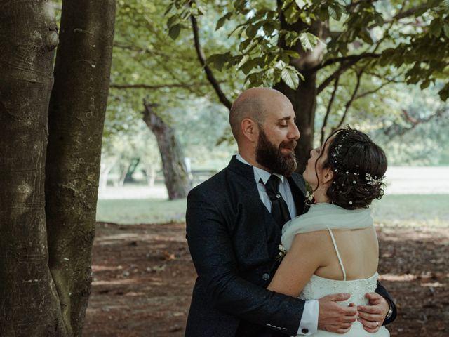 Il matrimonio di Alessandro e Elisabetta a Varano Borghi, Varese 21