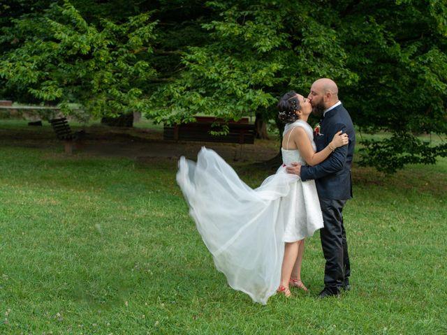 Il matrimonio di Alessandro e Elisabetta a Varano Borghi, Varese 27