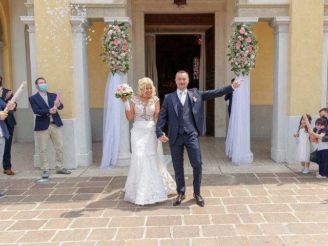 Il matrimonio di Yarianni e Enrico a Brembate, Bergamo 172