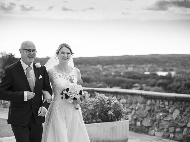 Il matrimonio di Tommaso e Elisabetta a Angera, Varese 16