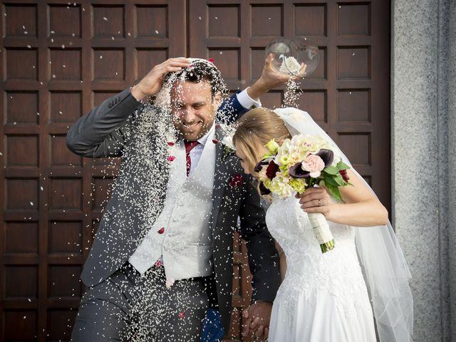 Il matrimonio di Tommaso e Elisabetta a Angera, Varese 21