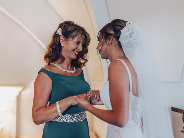 Il matrimonio di Dean e Elena a Loreto Aprutino, Pescara 14