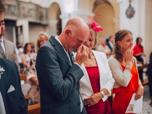 Il matrimonio di Dean e Elena a Loreto Aprutino, Pescara 16