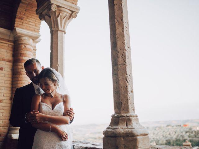 Il matrimonio di Dean e Elena a Loreto Aprutino, Pescara 19