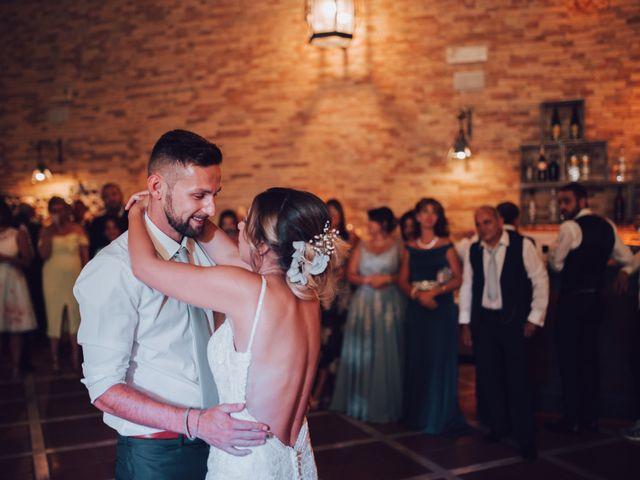 Il matrimonio di Dean e Elena a Loreto Aprutino, Pescara 29