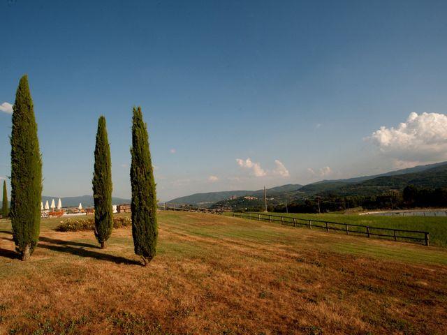 Il matrimonio di Daniel e Margherita a Pratovecchio, Arezzo 34