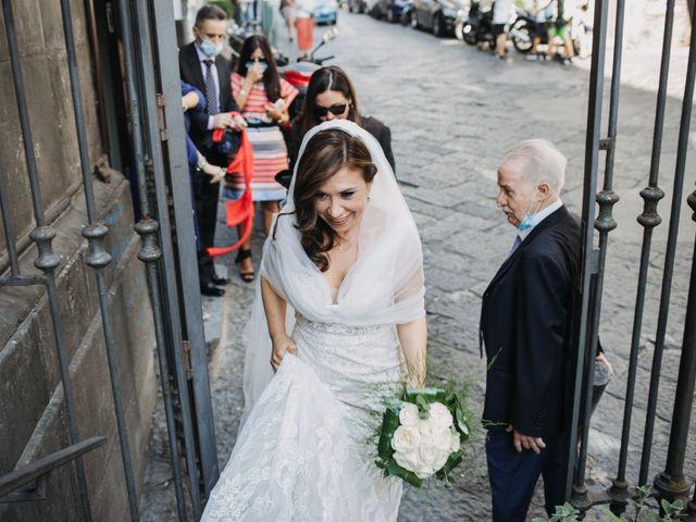 Il matrimonio di Ilaria e Gianluigi a Napoli, Napoli 15