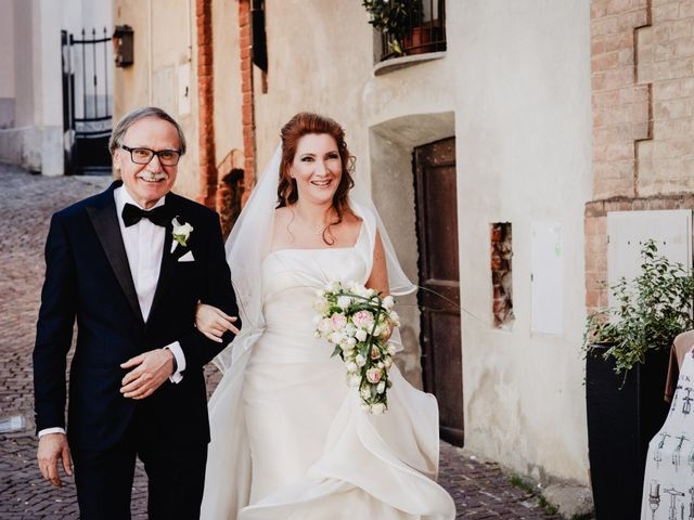 Il matrimonio di Luca e Rebecca a Barolo, Cuneo 30