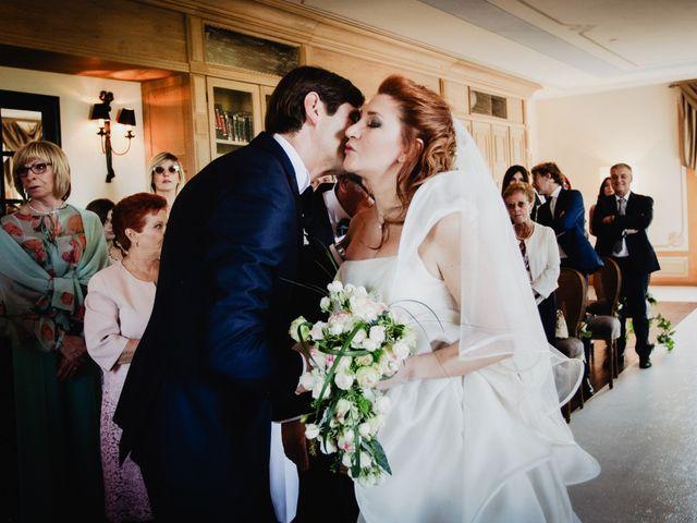 Il matrimonio di Luca e Rebecca a Barolo, Cuneo 35