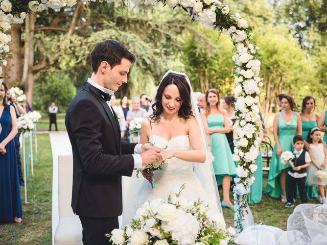 Il matrimonio di Luca e Nadia a Lesmo, Monza e Brianza 25
